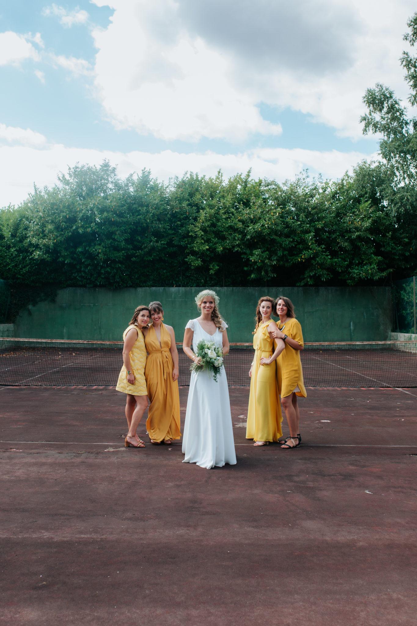 Portrait mariée bridesmaids terrain tennis La ferté Macé