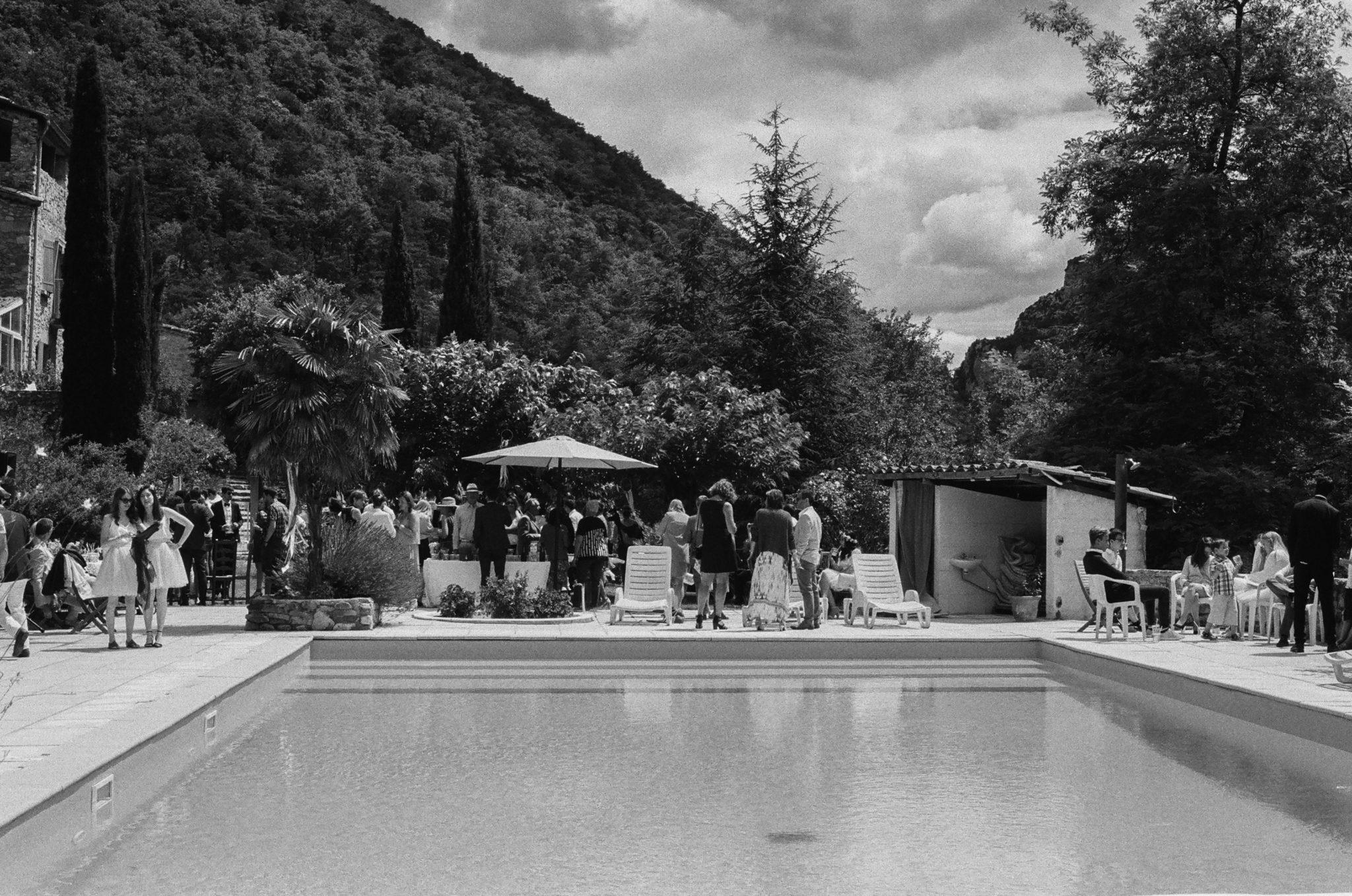 Cocktail piscine Hameau de Valouse Drome Provencale