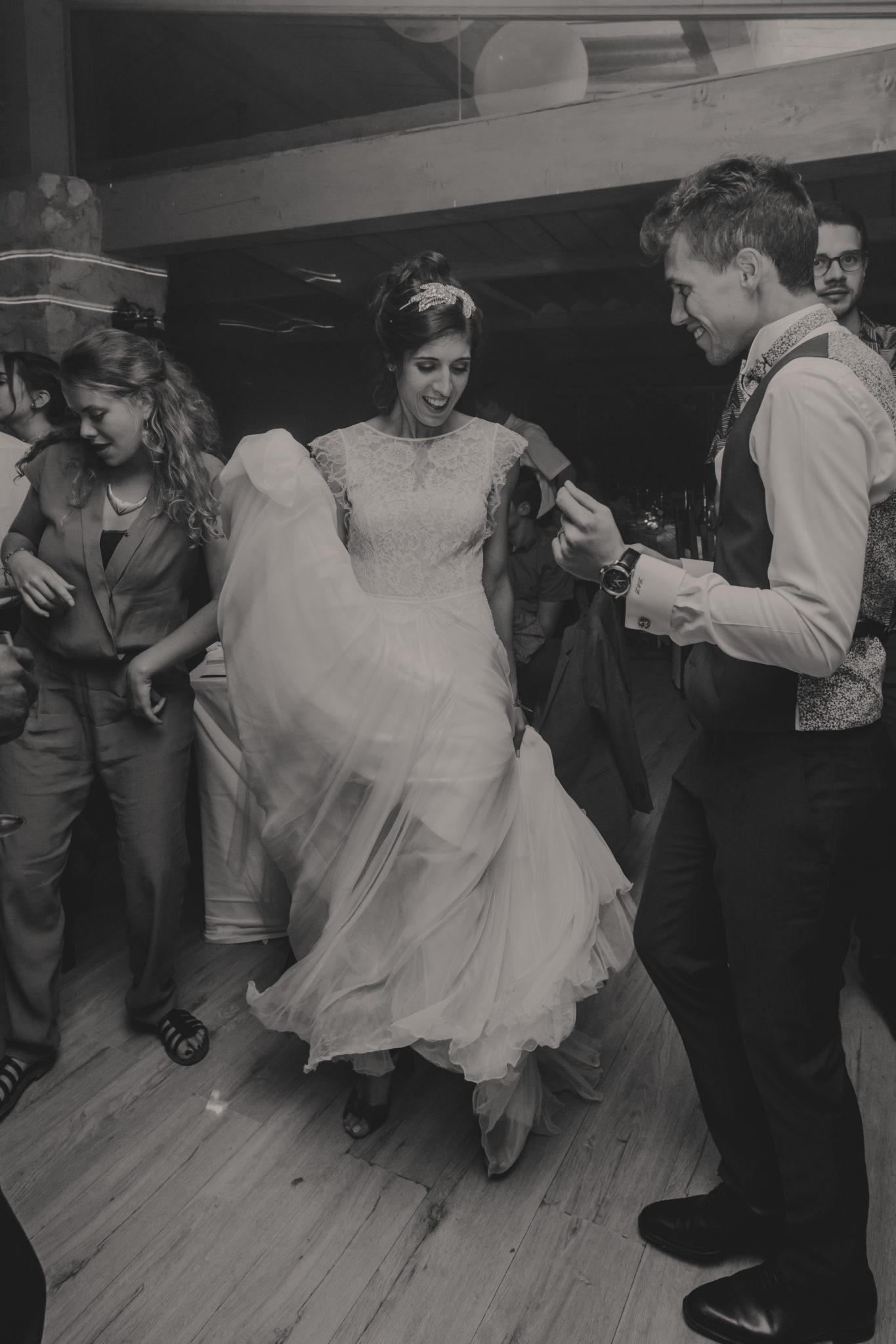 Première danse mariés dancefloor Hameau de Valouse Drôme provençale