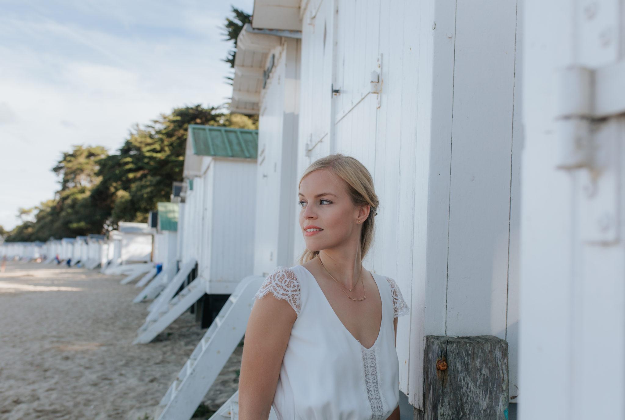 Portrait mariés Noirmoutier plage des Dames cabines