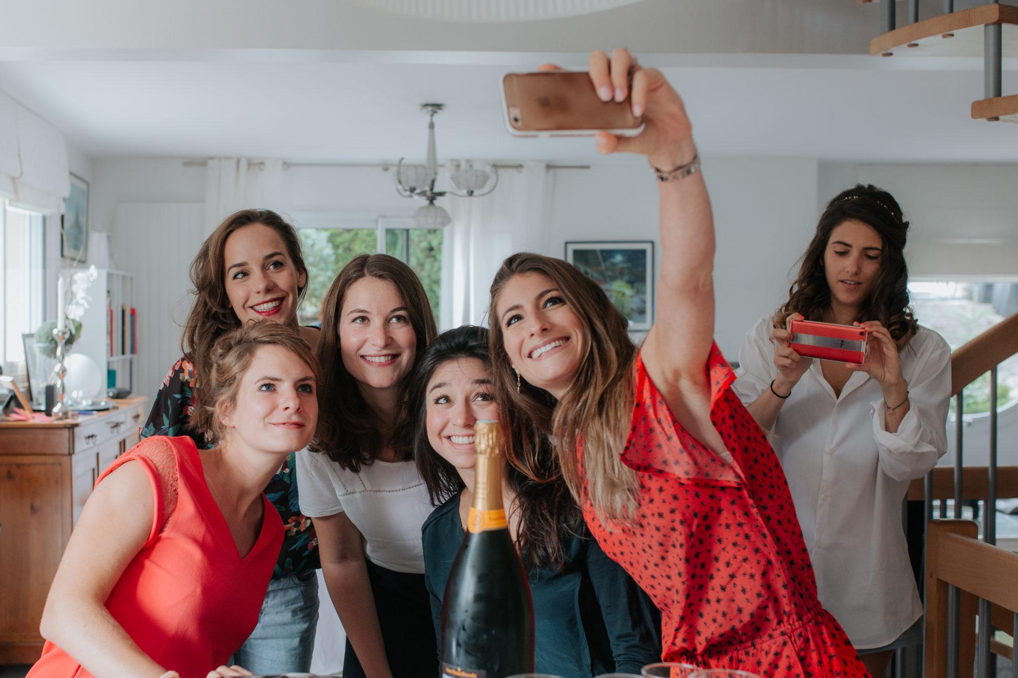 Préparatifs mariée témoins bridesmaids champagne Deauville