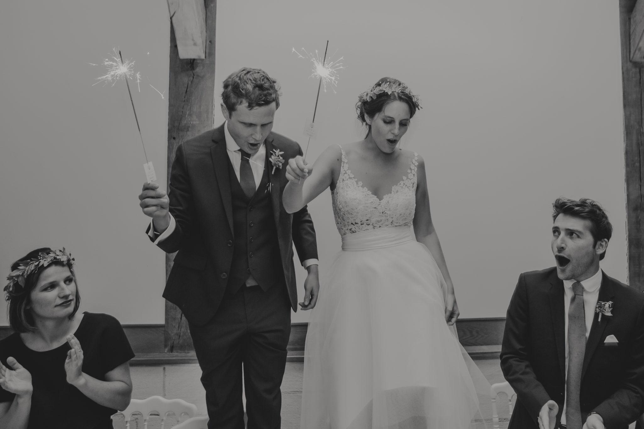 Mariage Trouville entrée des mariés scintillants Pressoir Tourgéville