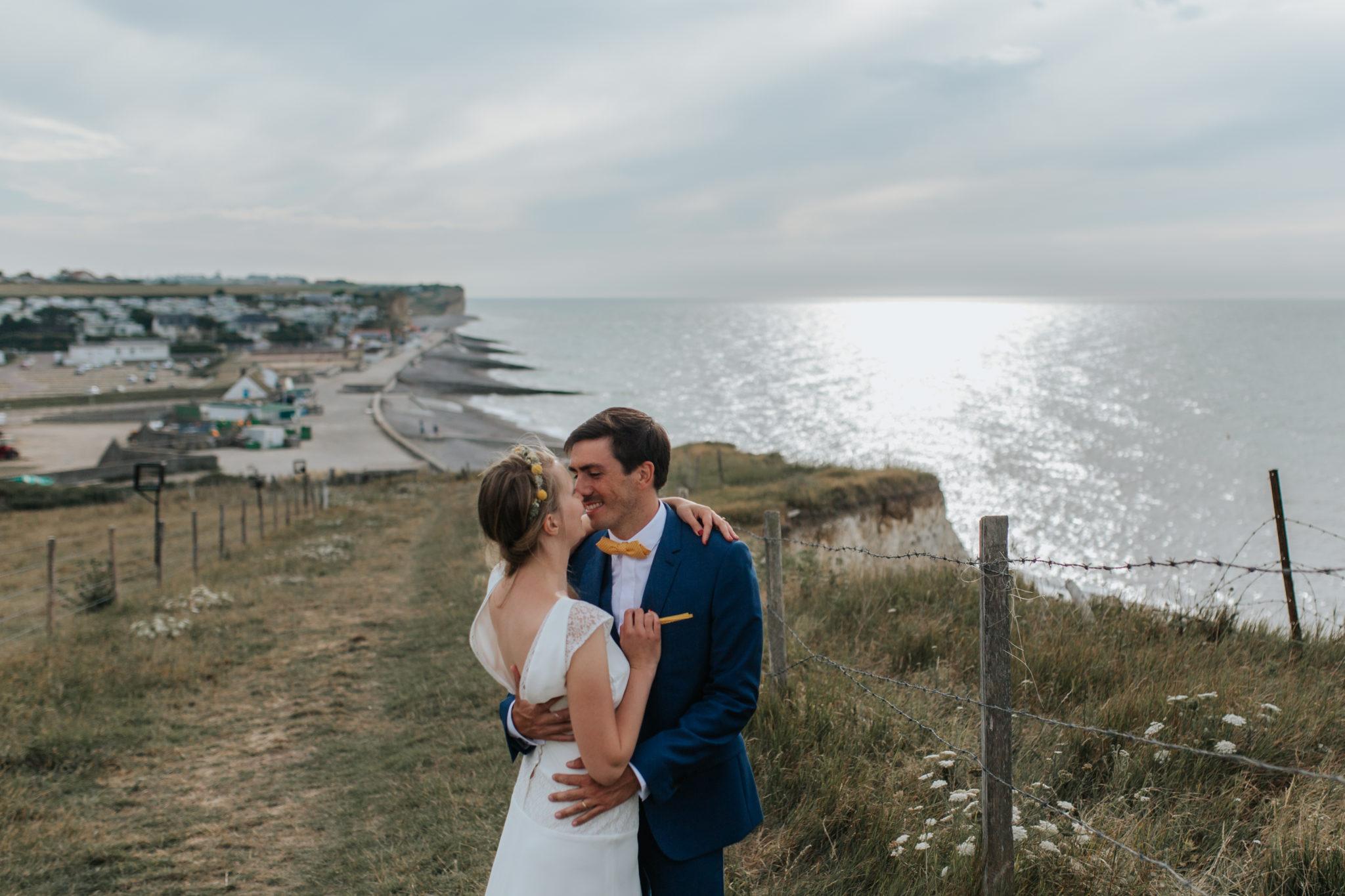 Portrait mariés falaise St Aubin sur Mer Normandie