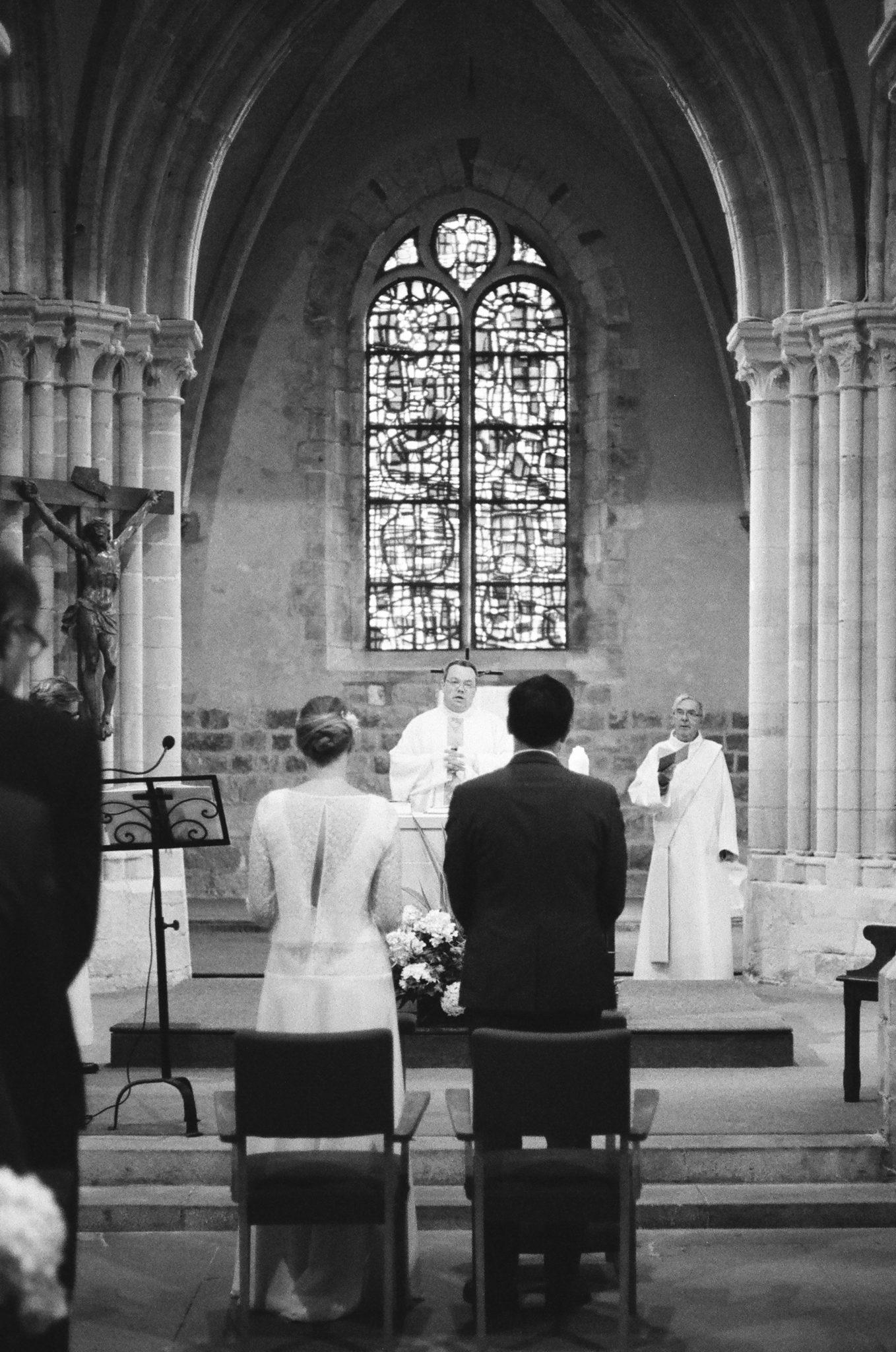 Mariés cérémonie religieuse église Saint Valéry vitraux Geroges Braque Varengeville sur Mer