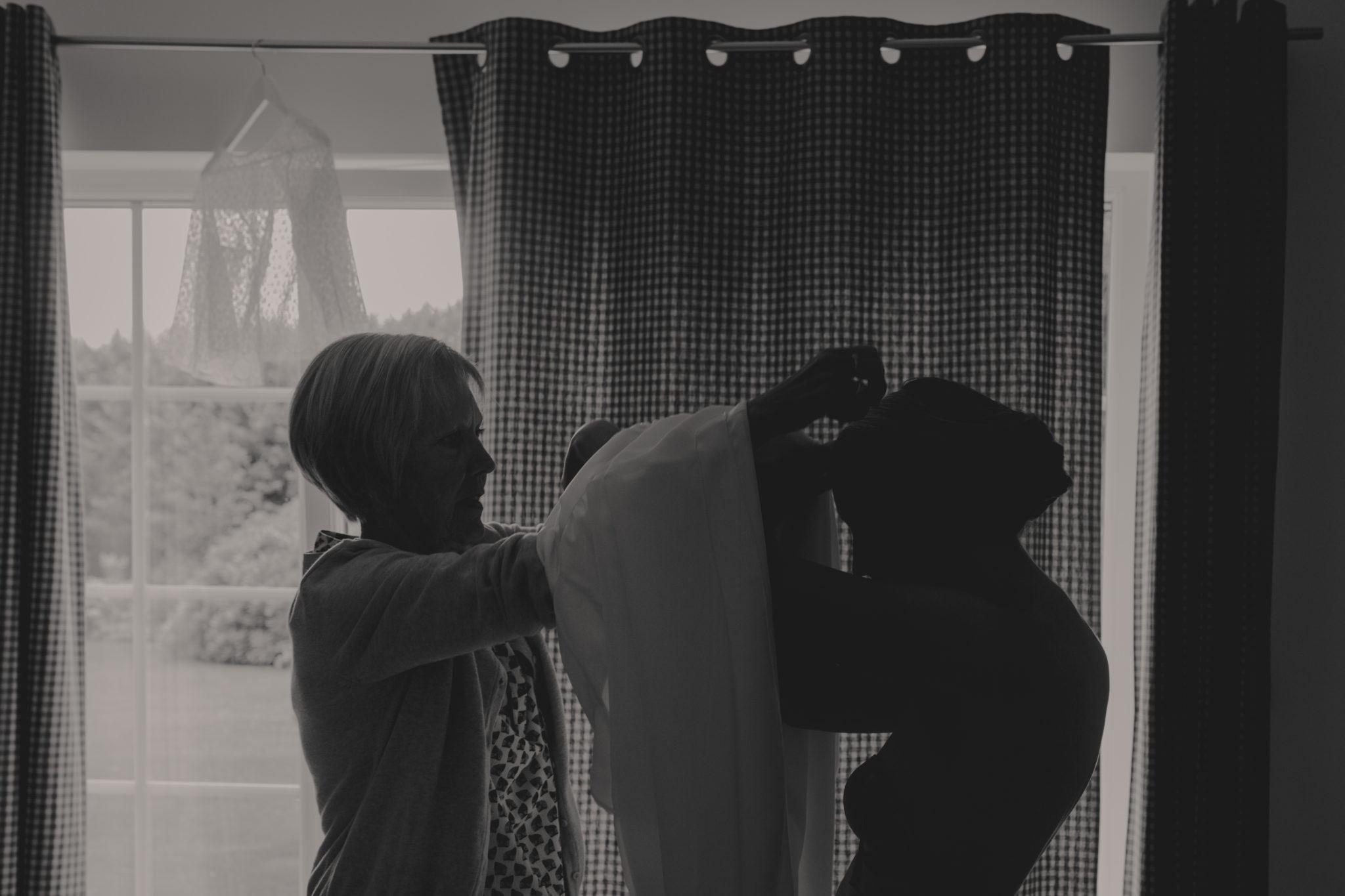 Habillage mariée préparatifs Varengeville sur Mer