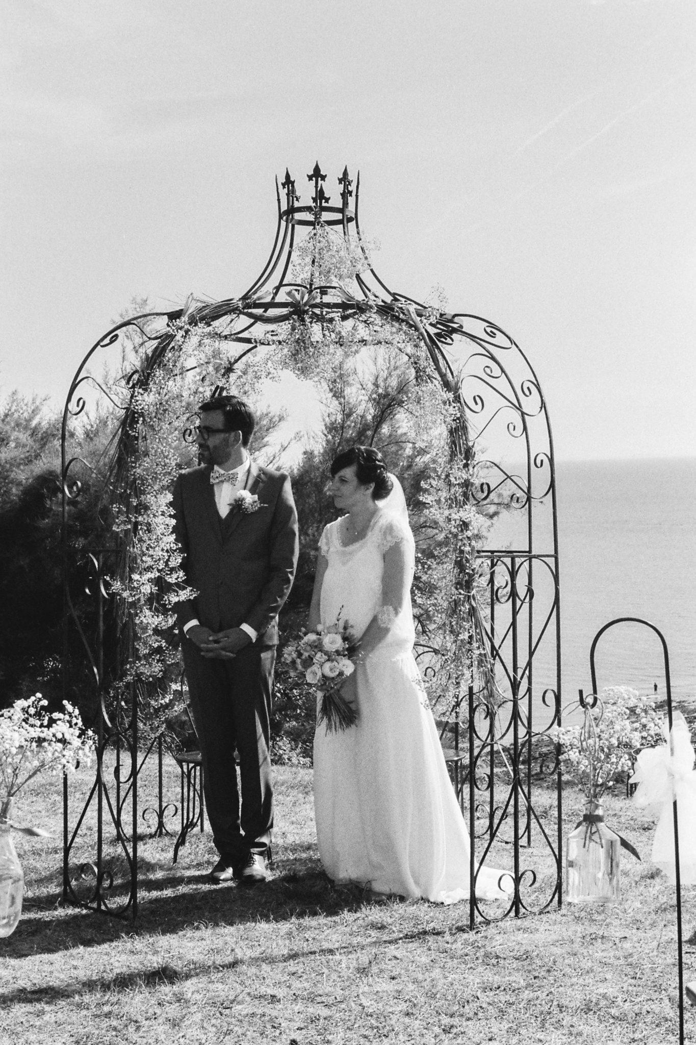 Portrait mariés cérémonie laïque falaise Granville Château de la Crête