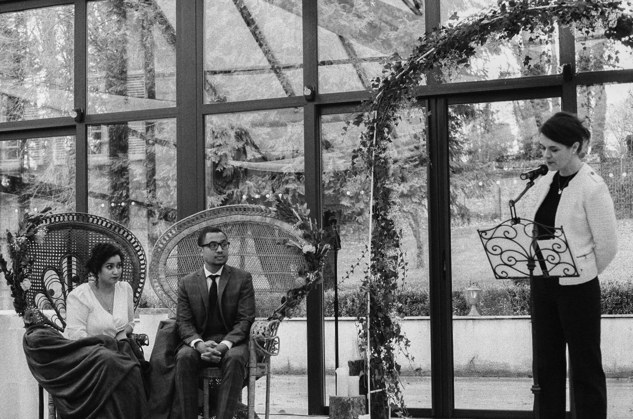 Cérémonie religieuse verrière Château de Naours mariage hiver Picardie Amiens