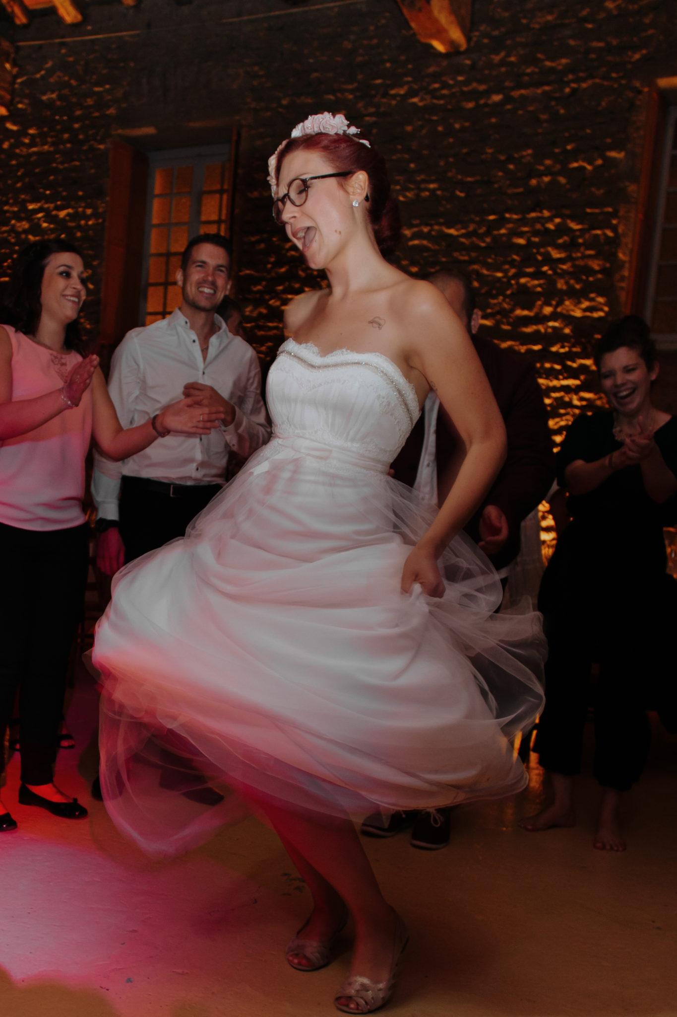 Danse mariée Domaine de l'Ordre des Compagnons du Beaujolais Lacenas