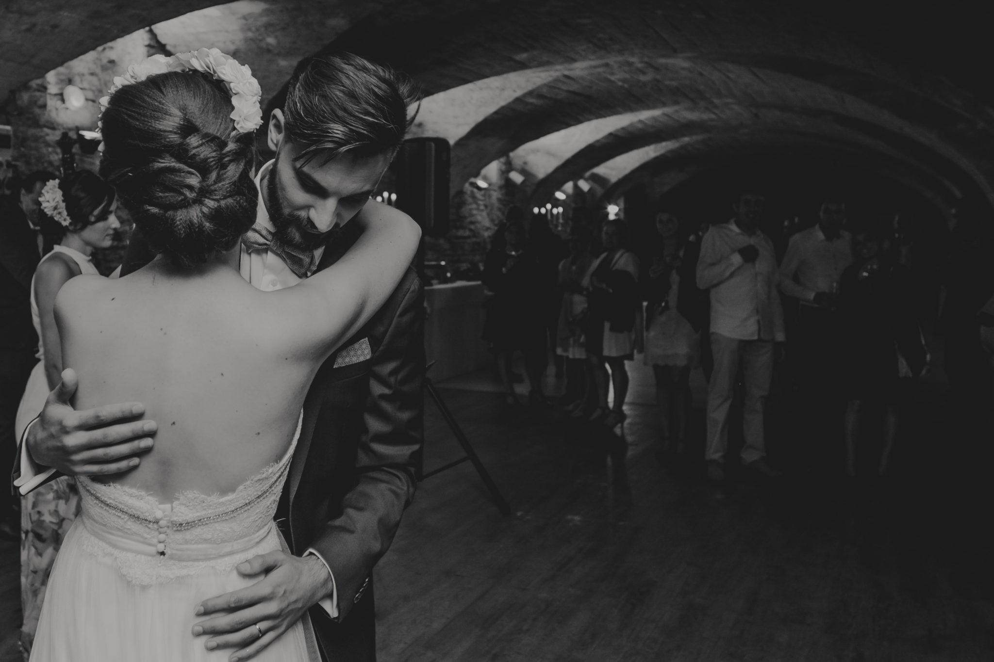 Première danse mariés Domaine de l'Ordre des Compagnons du Beaujolais Lacenas