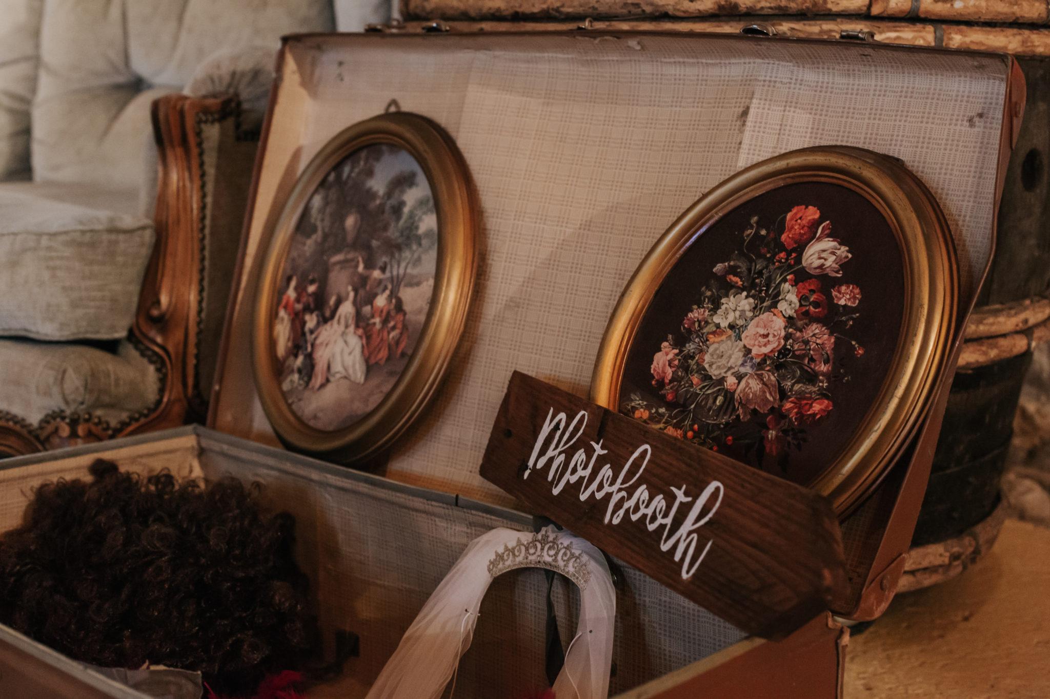 Accessoires photobooth diy Domaine de l'Ordre des Compagnons du Beaujolais Lacenas