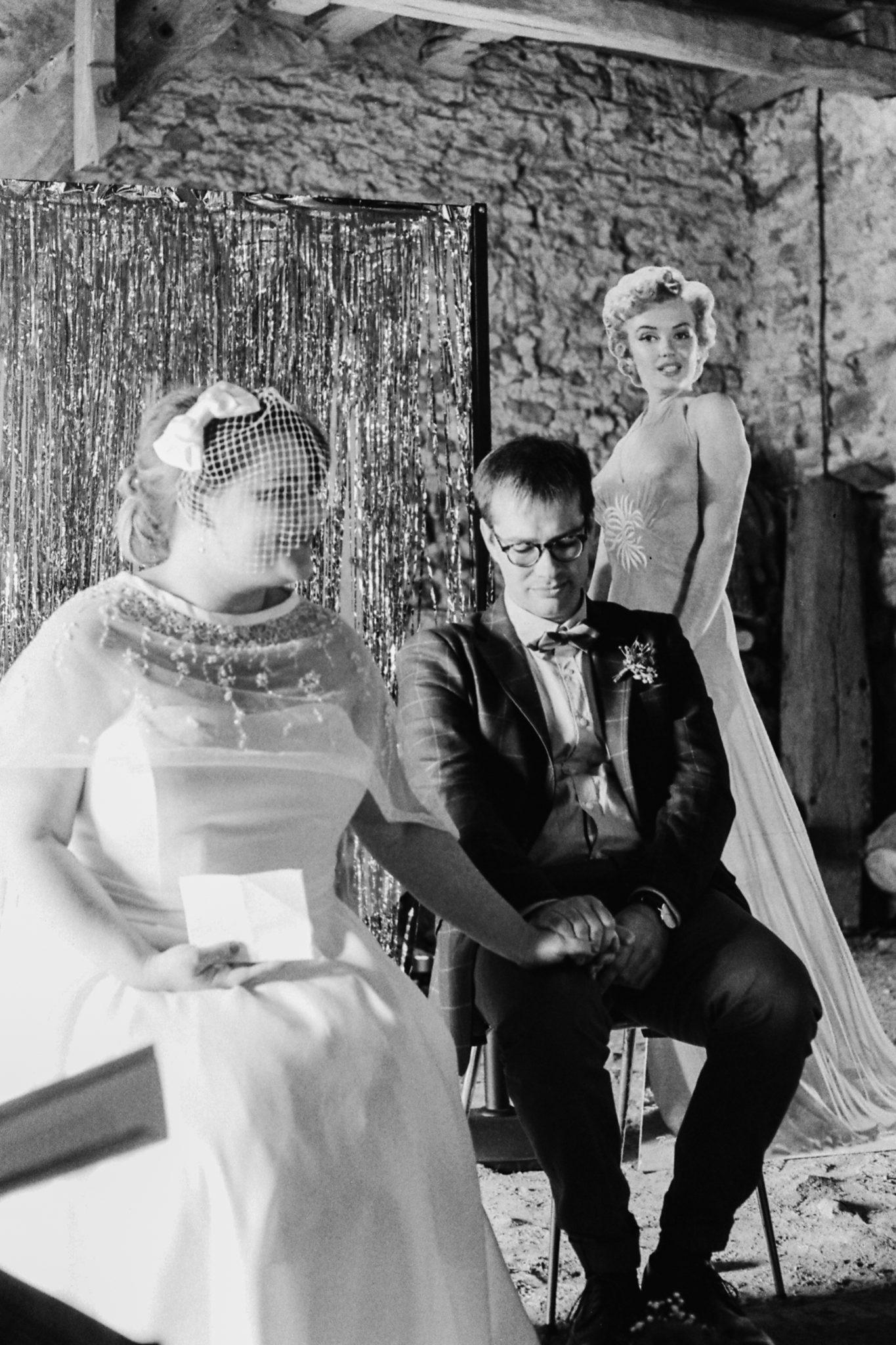 Cérémonie laïque émotions mariés Mariage 50s Domaine Mauvoisin Lommoye
