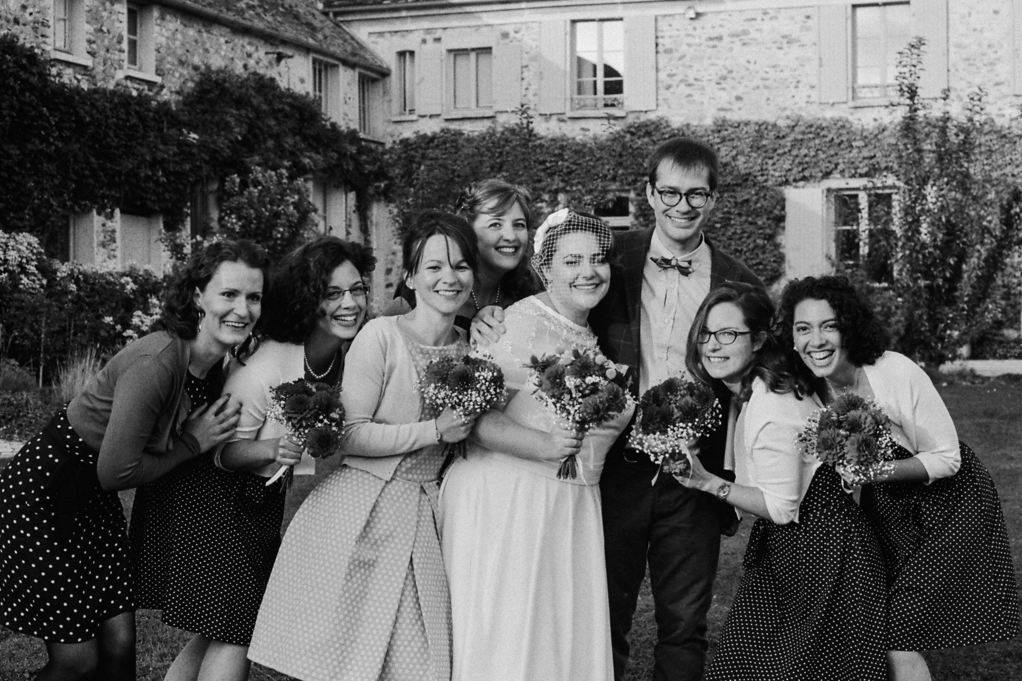 Portrait mariés bridesmaids Mariage 50s Domaine Mauvoisin Lommoye