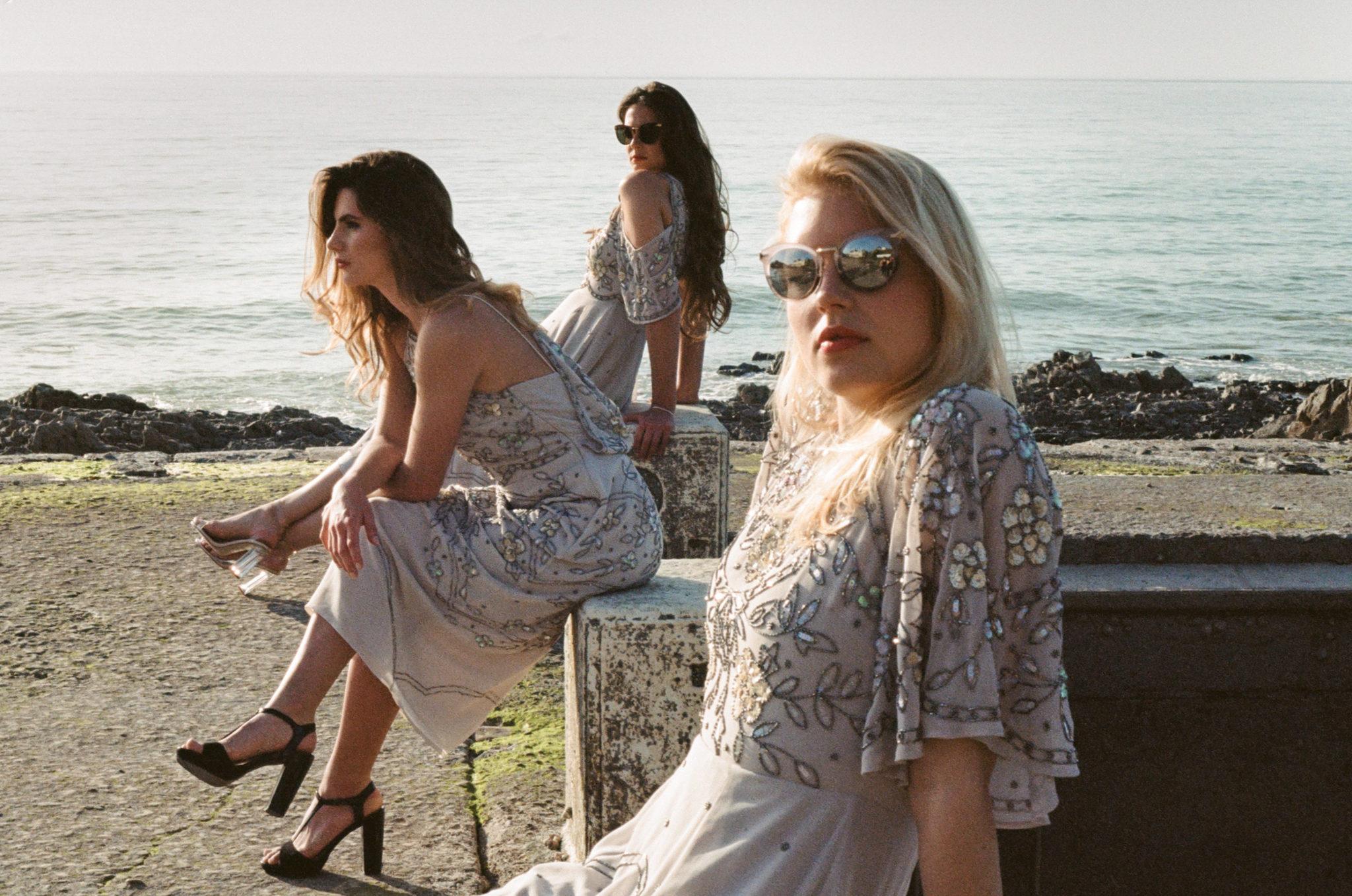Granville Le wedding Bridesmaids robes Asos lunettes Stella and Dot plage piscine eau de mer