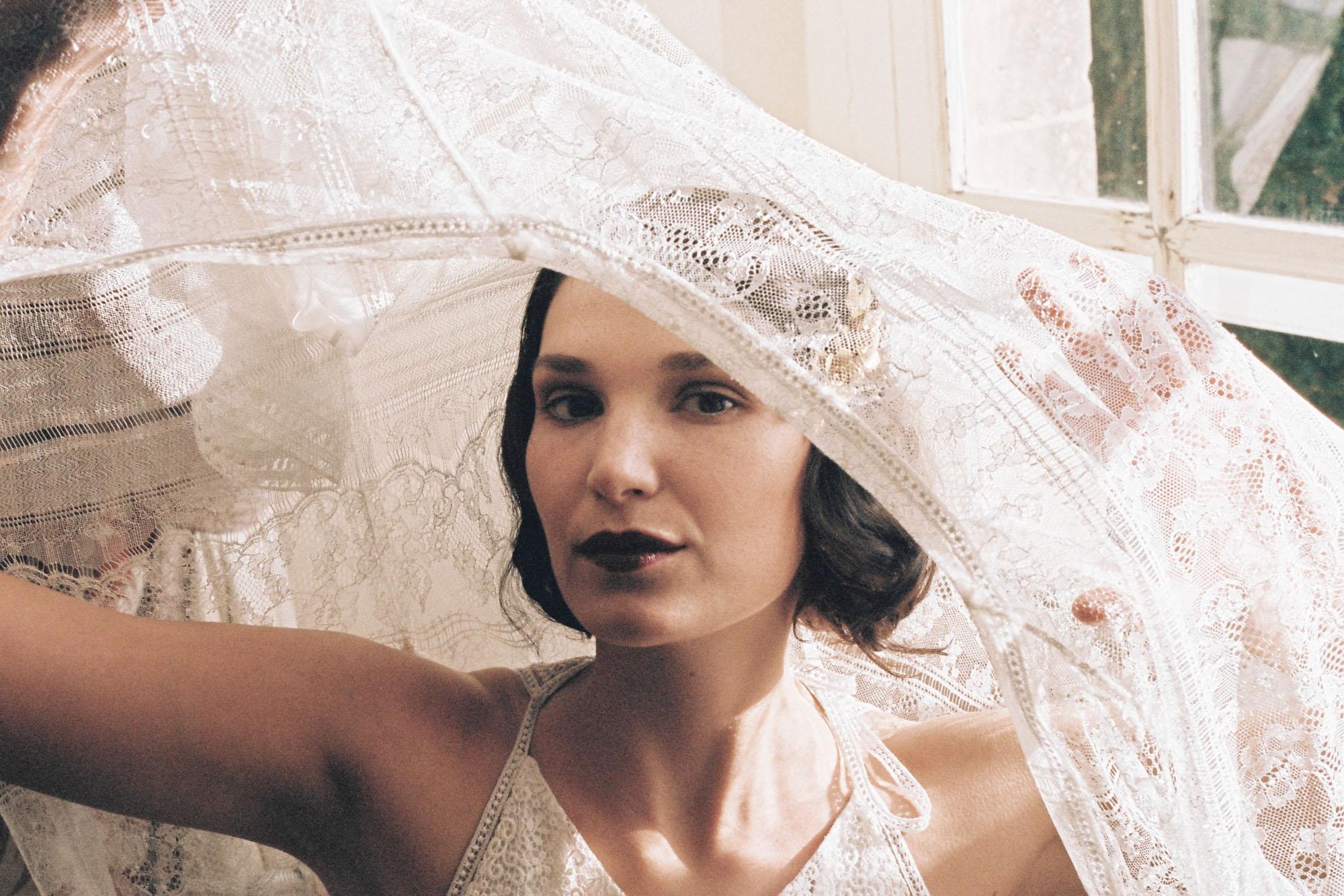 Le Mesnil d'O Le wedding robe et Kimono Amarildine