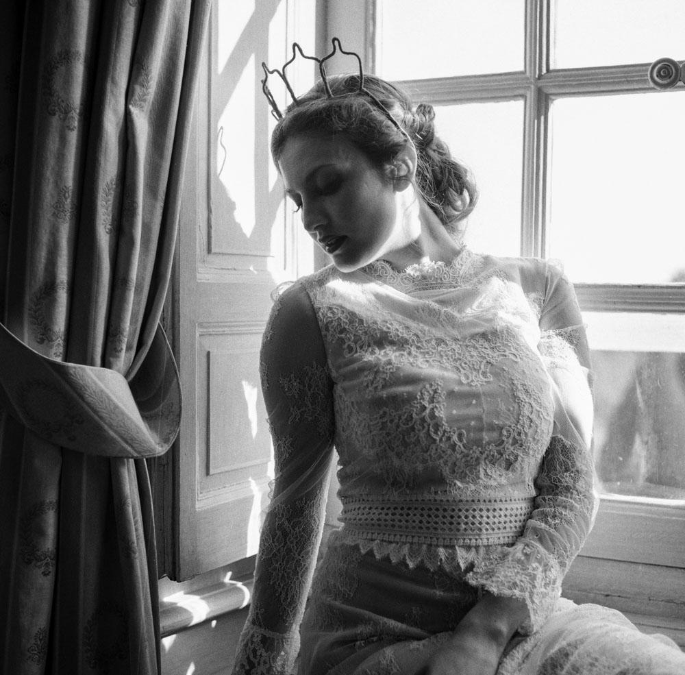 Le Mesnil d'O Le Wedding robe Caroline Takvorian couronne Suzanne Ceremony