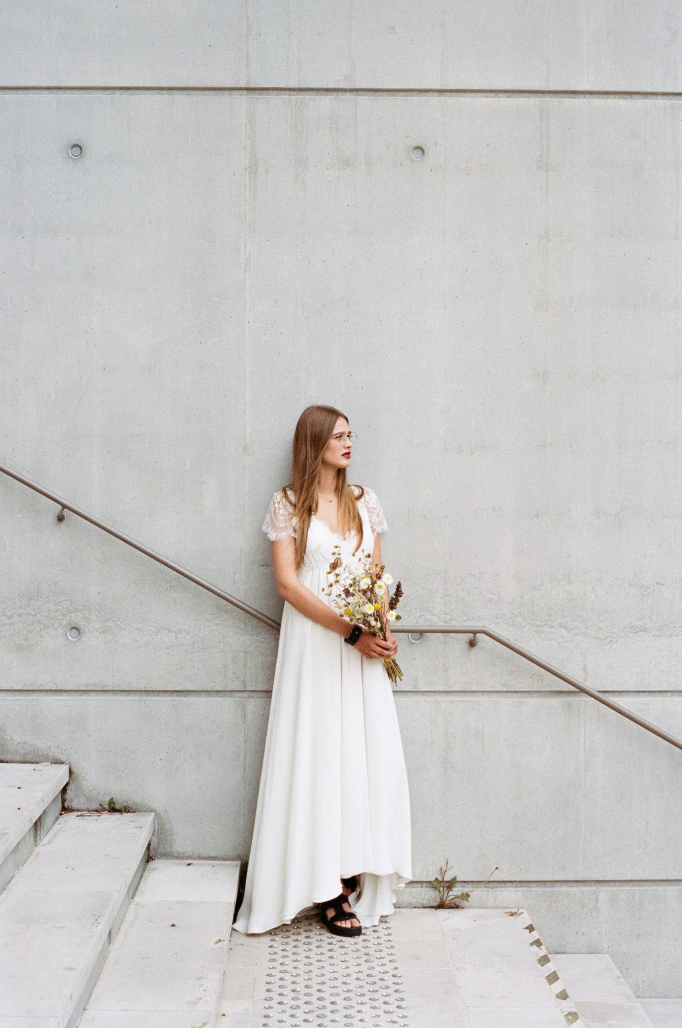 Le Wedding Urban Brides robe Elise Martimort lunettes Ray Ban Presqu'îleCaen