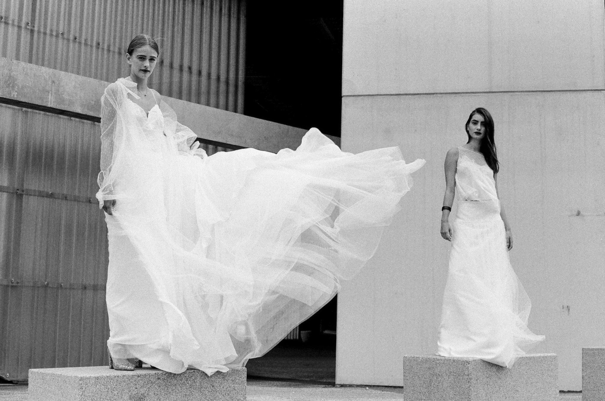 Le Wedding Urban Brides robe et manteau Cymbeline Paris top et jupe Créations Brochet Presqu'île le MRI Dôme Caen