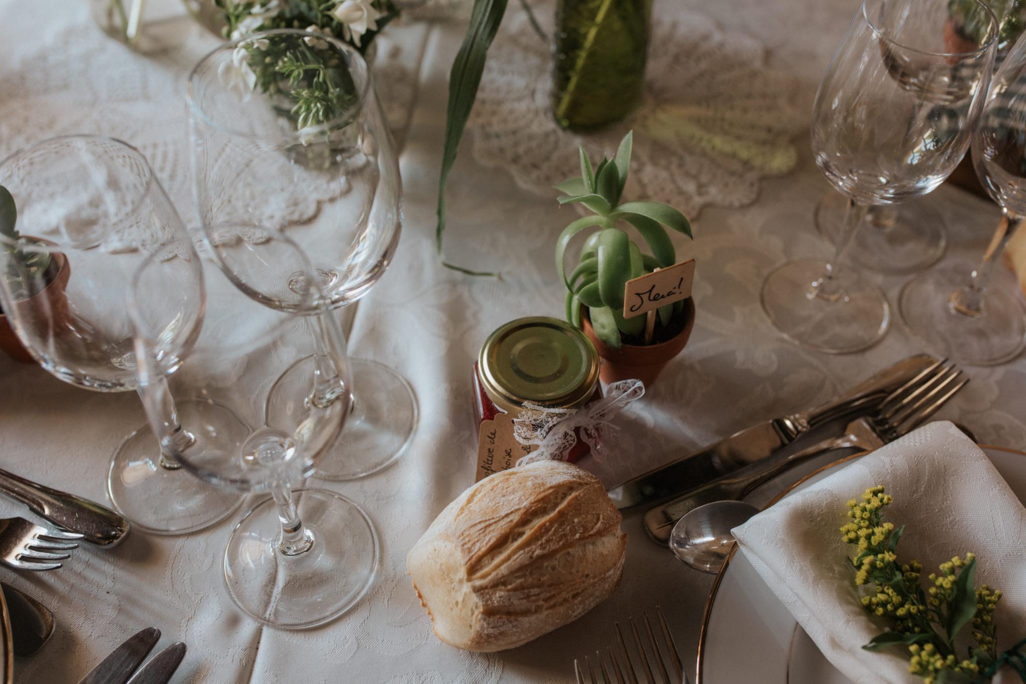 Cadeau invité confiture maison plante succulente décoration table Grange d'Espins