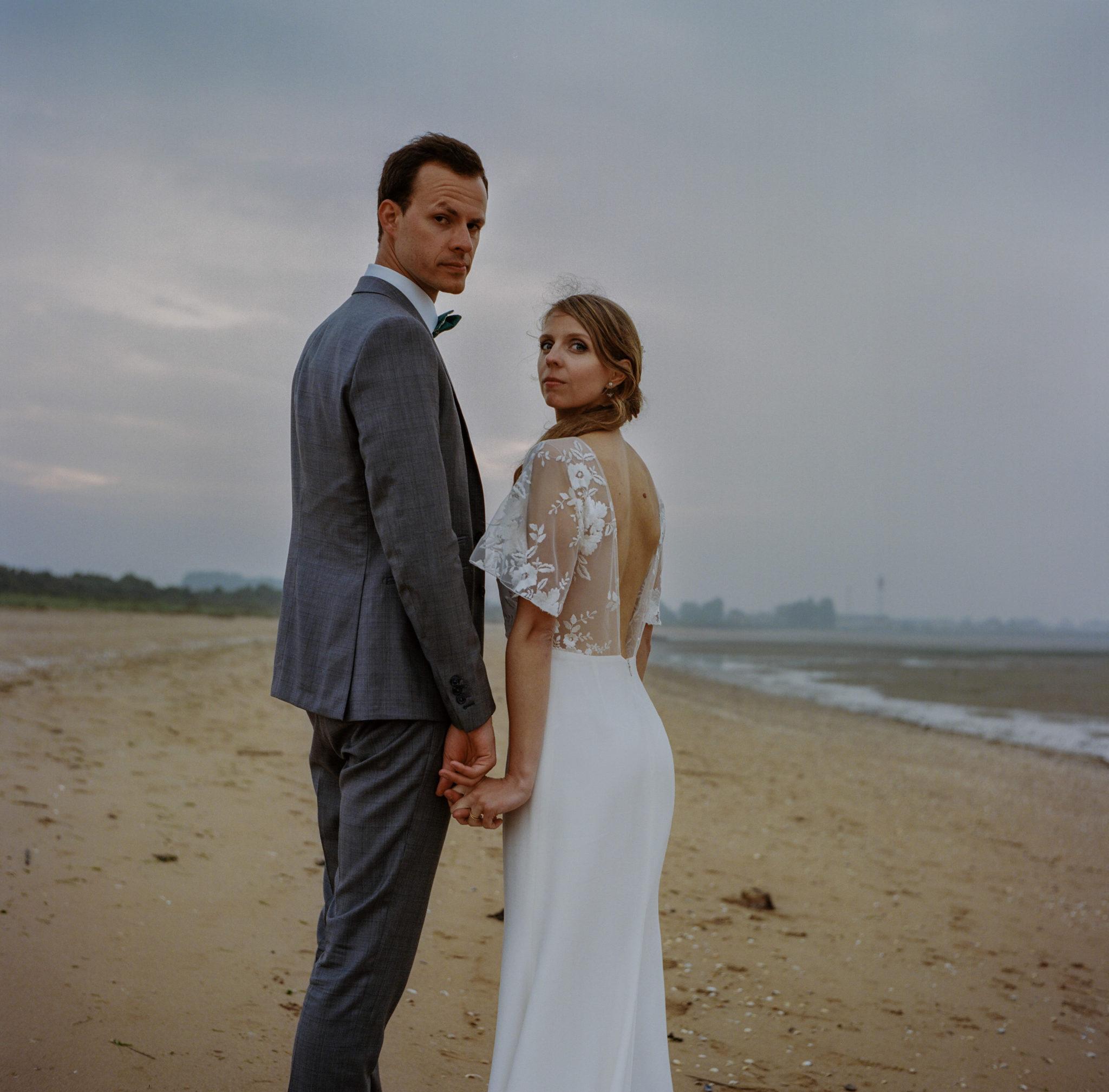 Séance couple Ouistreham pointe du siège robe rime arodaky