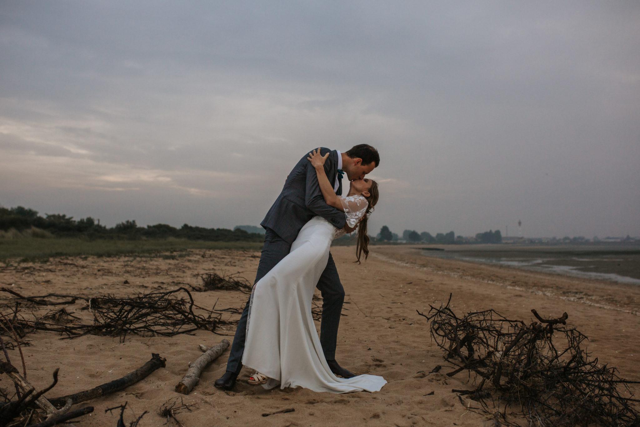 Séance couple plage Ouistreham Pointe du Siège