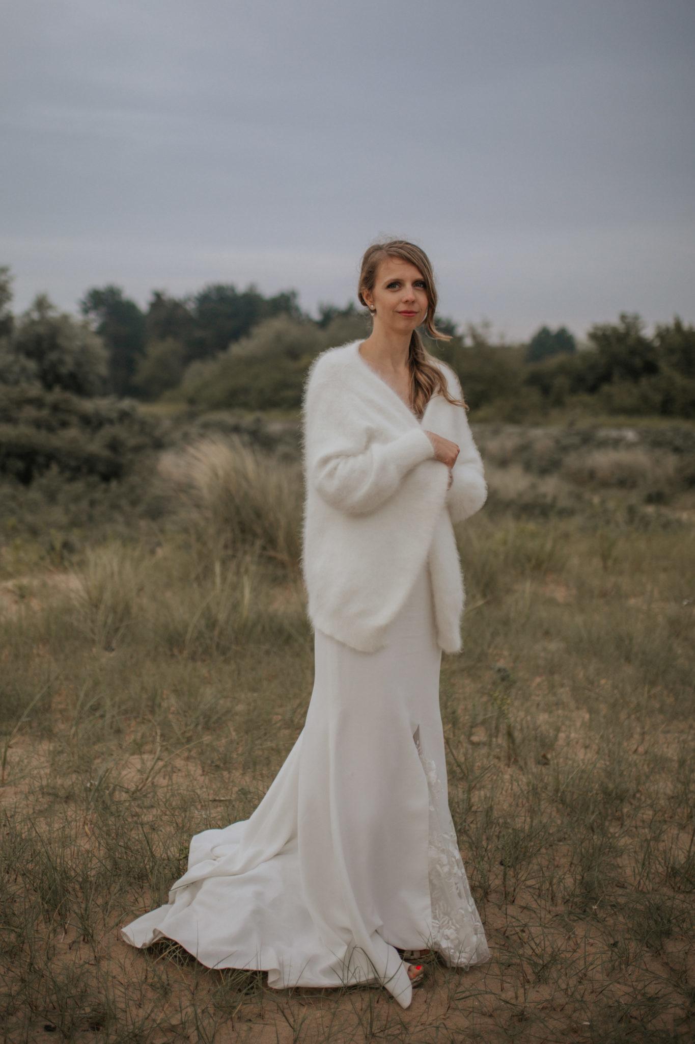 Portrait mariée robe Rime Arodaky plage Ouistreham Pointe du Siège