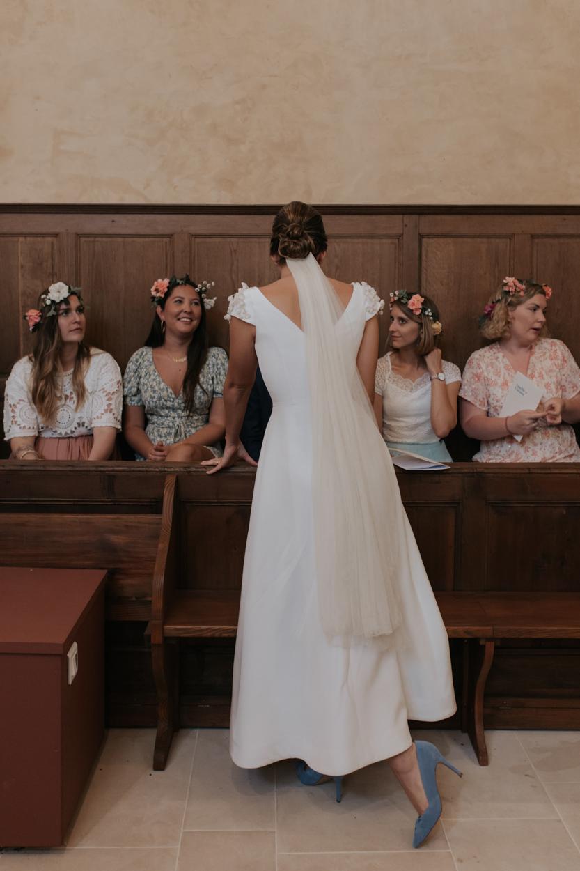 mariée et témoins bridesmaids église notre dame estrees pays auge normandie