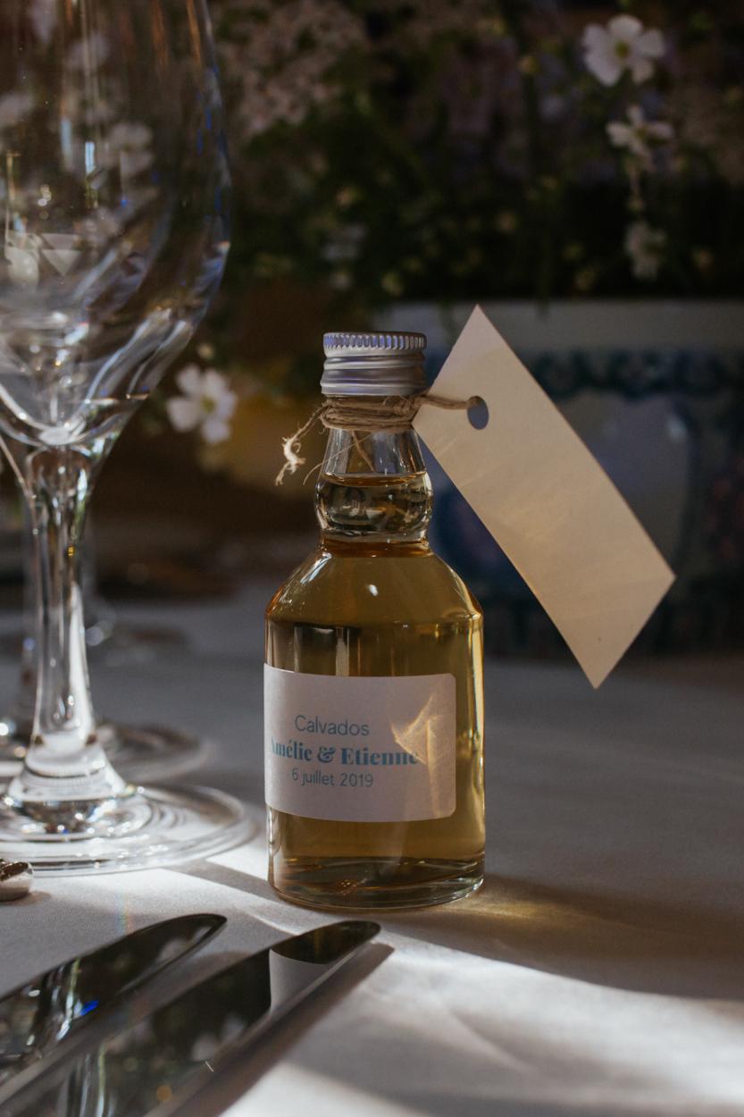 cadeau invités mini bouteille calvados mariage chateau canon