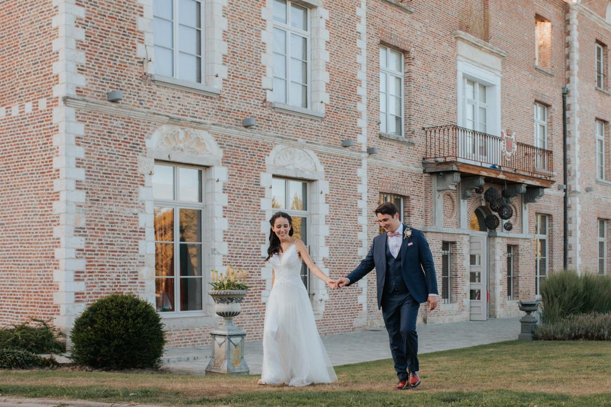 mariés goldent hour parc chateau de morbecque