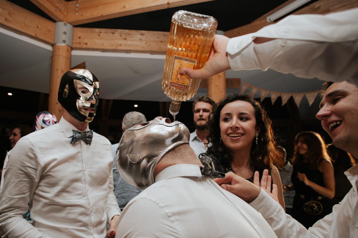 soirée mariage franco-mexicain masque catcheur mexicain tequila