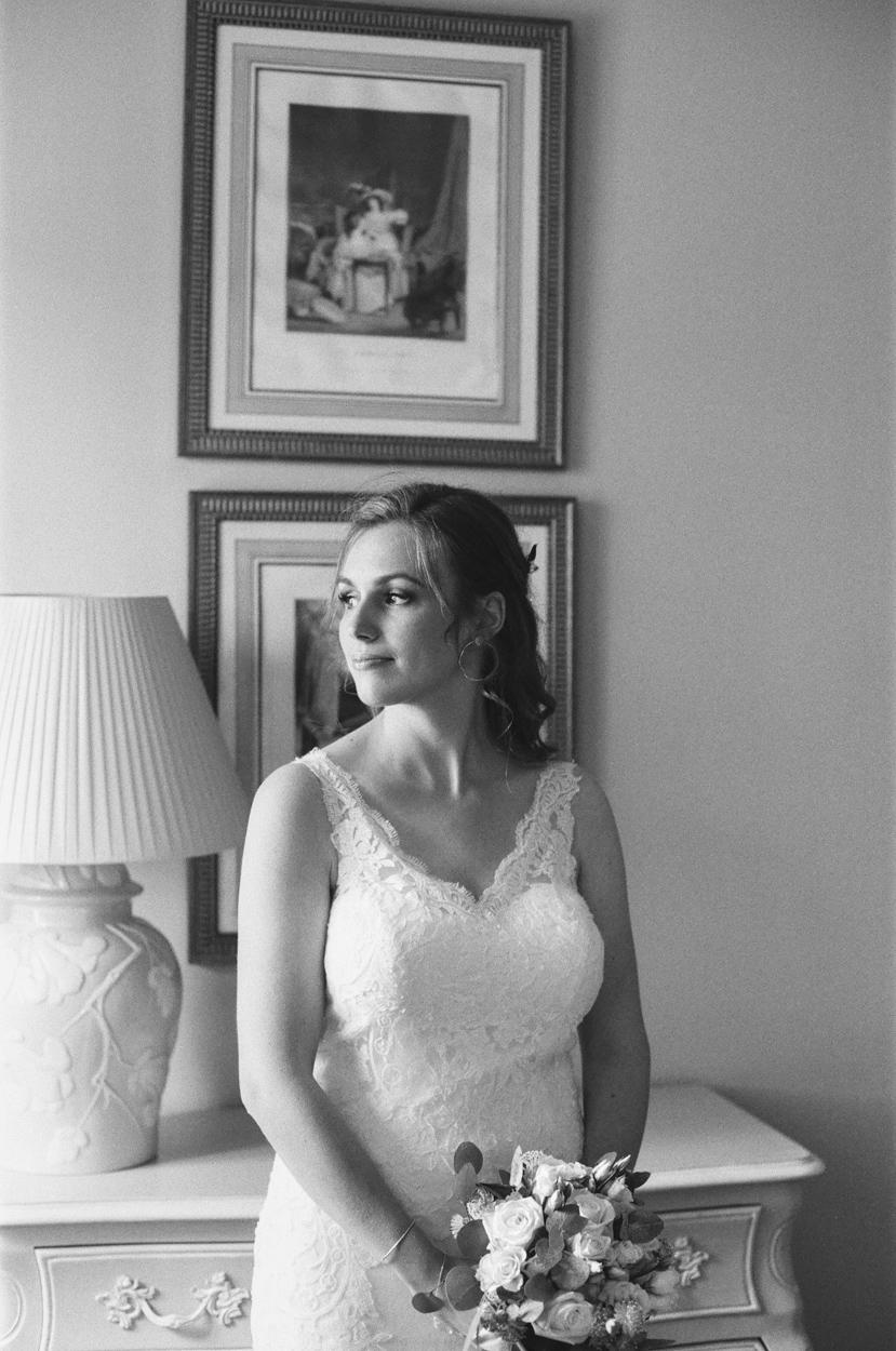 portrait mariée chambre domaine laumondière mariage