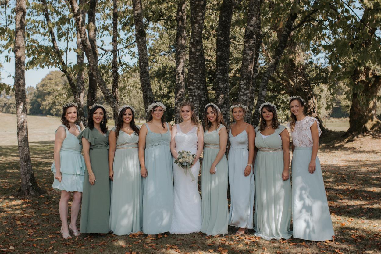 mariée et ses demoiselles d'honneur mariage parc domaine laumondière