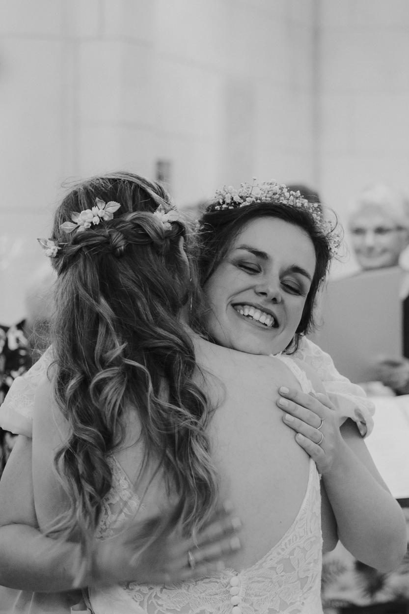 mariée sa soeur et témoin église sacré coeur bagnoles de l'orne