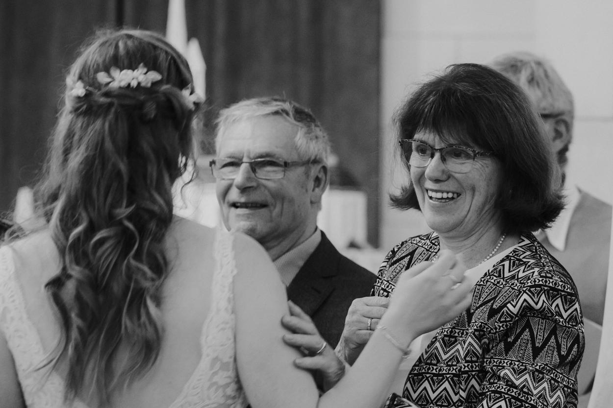 mariée et invités église Sacré Coeur