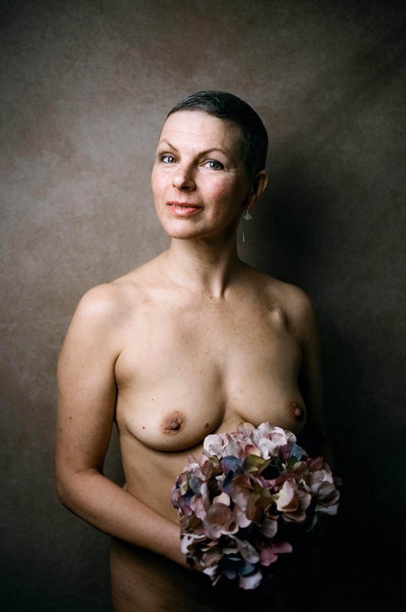 séance studio domicile portrait femme hortensia
