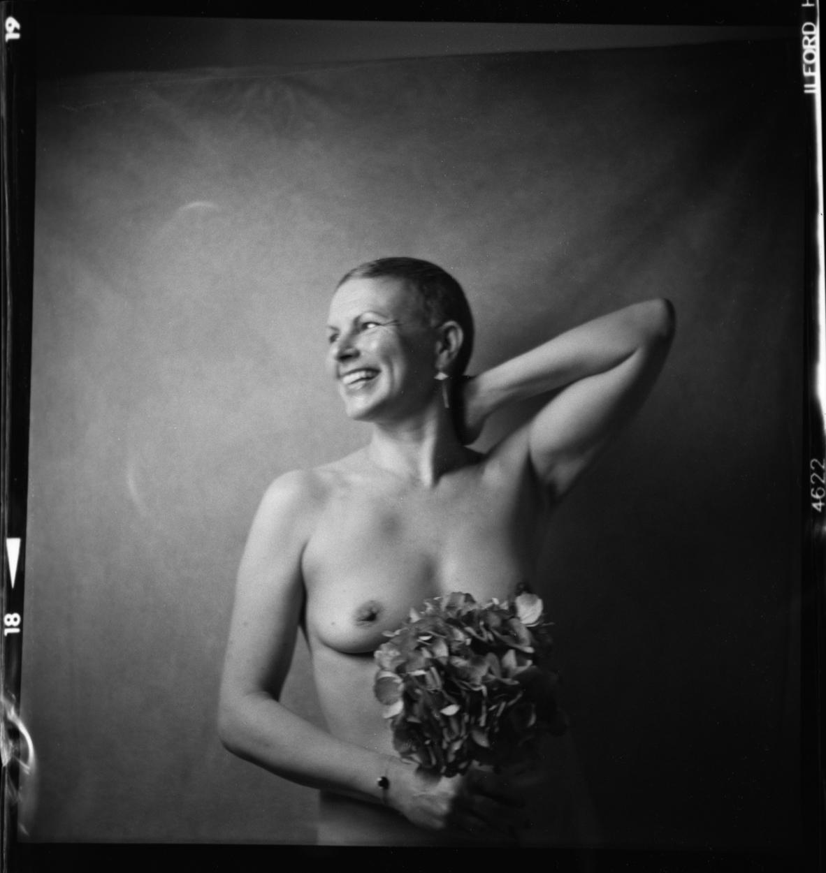 portrait femme hortensia studio lubitel argentique
