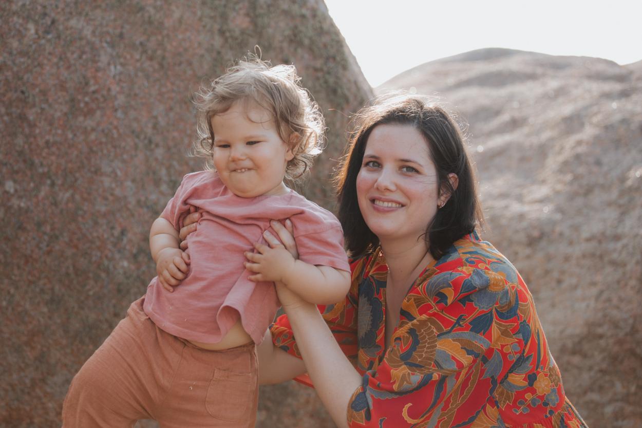 séance famille côte granit rose mère fille rochers