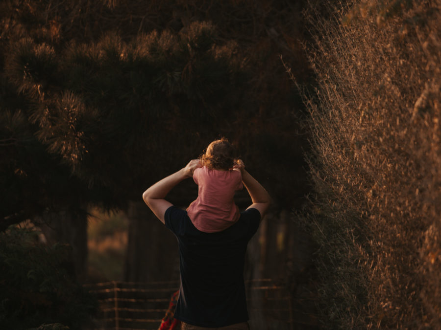 séance famille trégastel côte granit rose golden hour bretagne